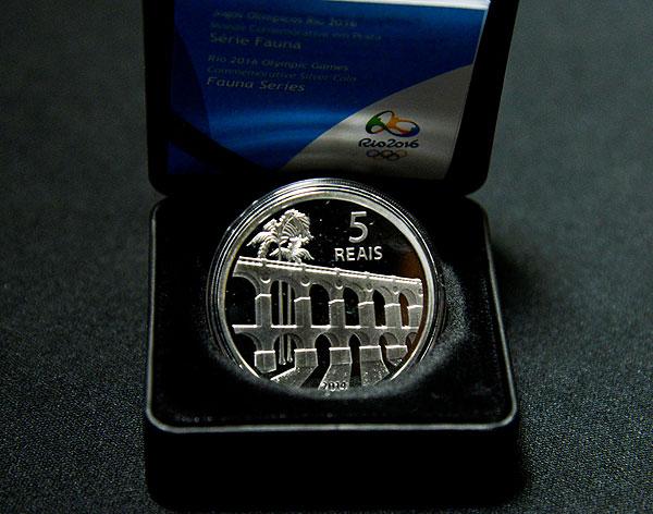 Серебрянная монета олимпийских игр 2016