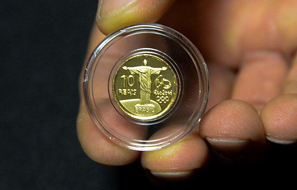 Золотая монета олимпийских игр 2016